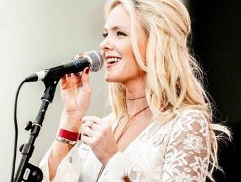 """LAURA EVANS NEW RELEASE """"TAKE ME BACK HOME"""""""